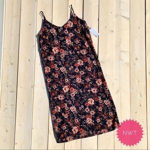 NWT Summer Midi Dress